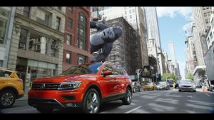 "Kampagne: The all-new Volkswagen Tiguan ""The New King"" Commercial (60 seconds)"
