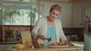 Kampagne: McDonald's Buttermilk Crispy Tenders: Dinner at Grandma's - Sunday Dinner