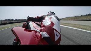 Kampagne: Ducati - Panigale V4 - A new opera