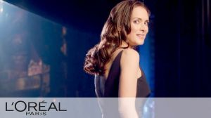 "Kampagne: New L'Oréal Paris Elvive ""Comeback"" Commercial with Winona Ryder"