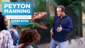 Kampagne: Universal - Super Bowl: Peyton Manning is Vacation Quarterback