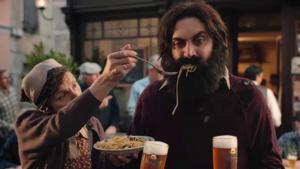"Kampagne: Amstel ""Hold my beer"" ad by 180 Kingsday"